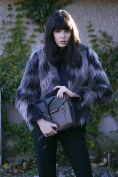 fashion worries: BAG BUSINESS Winter Hats, Business, My Style, Bags, Fashion, Handbags, Moda, Dime Bags, Fasion
