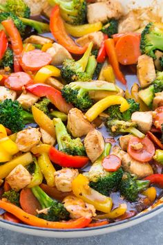 The BEST Chicken Stir Fry, made with chicken, vegetables and a delicious stir fry sauce. This easy stir fry recipe is perfect for a weeknight meal. It's one of our favorite healthy dinner recipes! Serve this chicken and veggie stir fry over rice, plus lots of ideas for stir fry variations! Chicken Stir Fry Sauce, Chicken Vegetable Stir Fry, Healthy Chicken Stir Fry, Veggie Stir Fry, Chicken Meal Prep, Chicken Recipes, Sauce For Stir Fry, Healthy Stir Fry Sauce, Stir Fry Recipes