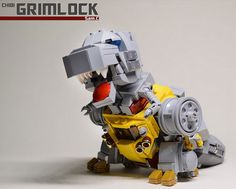 I instantly felt in love with this MOC of LEGO by Sam Cheng.   This is a kinda BB / SD / Chibi version of the Dino mode!     The back of the...
