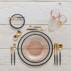 Black and gold and blush all over With our Halo Glass Chargers and Dinnerware in Black + Vintage Pink Swirl Collection Plates + Goa Flatware in Gold/Black + Vintage Pink Swirl Goblets + Vintage Champagne Coupe + Gold Salt Cellars + Tiny Gold Spoons # Vintage Champagne, Deco Design, Food Design, Dinner Sets, Deco Table, Decoration Table, Kitchen Accessories, Dinnerware, Kitchen Decor