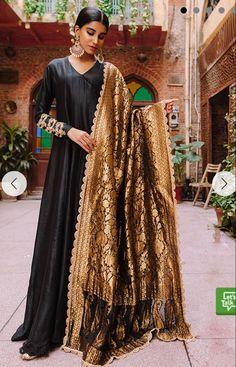 Asian Wedding Dress Pakistani, Pakistani Fashion Casual, Pakistani Outfits, New Designer Dresses, Red Chiffon, Indian Dresses, Shadi Dresses, Indian Suits, Dress Images