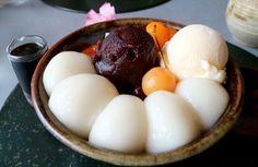 茶房雲母@神奈川・鎌倉  久々に雲母へ。鎌倉駅から佐助稲荷方面へ。やはりここの白玉は最高だわ。『白玉クリームあんみつ』。  2015.05.08