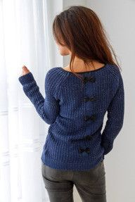 Sweterek z kokardkami na plecach - niebieski