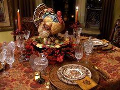 Decoración de mesas estilo barroco para Thanksgiving, encuentra más ideas en http://www.1001consejos.com/decoracion-de-mesas-para-thanksgiving