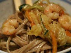 Soba Noodles con gamberi e verdure