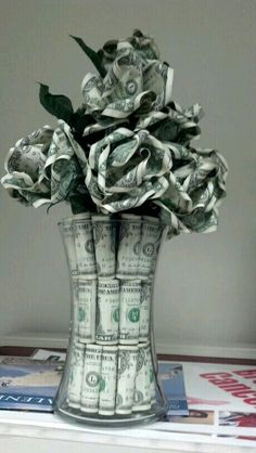 A Customer's Guide To Herbal Dietary Supplements On The Net Dollar Bill Roses Money Rose, Money Lei, Money Origami, Paper Crafts Origami, Oragami, Money Creation, Birthday Money, Boss Birthday, Dollar Bill Origami