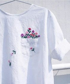 Embroidered clothing by Juno Embroidery. diy kleidung Clever Embroidery Imagines Squirrels Running Amok on Ordinary Clothing Hand Embroidery Stitches, Hand Embroidery Designs, Embroidery Digitizing, Embroidery Books, T Shirt Embroidery, Ribbon Embroidery, Embroidery Ideas, Knitting Stitches, Modern Embroidery