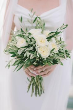 Love The Colors Reminds Me Of Olive Branches And Sage Greenery Go With Old Fashioned Roses Or Peonies