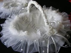 Risultati immagini per nisan tepsisi tullu Wedding Crafts, Diy Wedding, Wedding Flowers, Wedding Decorations, Wedding Ring Cushion, Wedding Pillows, Pronovias Bridal, Basket Crafts, Diy Rustic Decor