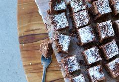 4 Ingredient Rich Chocolate Slice Raw Food Recipes, Snack Recipes, Cooking Recipes, Snacks, Chocolate Slice, Dairy Free Chocolate, Dried Cranberries, Dried Fruit, Dairy Free Baking