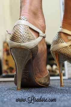 43ac9dd8c dance shoes with classy high heels.. Comme il Faut world's finest  collection of Argentina