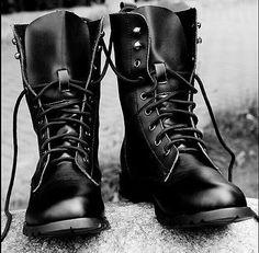Hot Retro Combat boots Winter England-style fashionable Men's short Black shoes