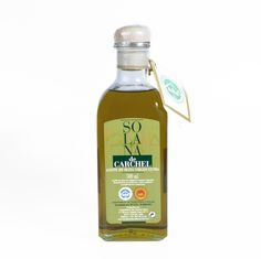 Solana de Carchel offers an excellent blend made with 80% picual olives and 20% manzanilla olives. http://olivadelsur.com/en/oil/68-solana-de-carchel-glass-bottle-500-ml.html #evoo