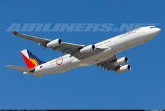 Airbus A340-313, Philippine Airlines, RP-C3439, cn 459, first flight 30.1.2002 (Iberia), Philippine delivered 2.4.2014. His last flight 2.5.2016 Los Angeles - Manila. Foto: Sydney, Australia, 9.3.2016.