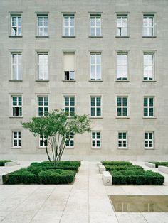 Kleihues + Kleihues, Jan Kleihues /  Bundesministerium für Arbeit und Soziales /  Photo by hiepler brunier