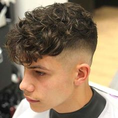 2018 Wavy or Curly Men& Haircuts - Cortes de Cabelo Masculino - Men's Hairstyles - Fade Haircut Curly Hair, Perm Hair Men, Male Haircuts Curly, Wavy Hair Men, Curly Hair Cuts, Haircuts For Men, Curly Hair Styles, Men Perm, Boys Curly Hairstyles