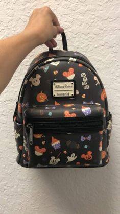 Disney Handbags, Disney Purse, Purses And Handbags, Cute Mini Backpacks, Stylish Backpacks, Cute Disney Outfits, Mickey Halloween, Disney Mickey Ears, Disney Souvenirs