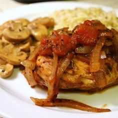 If you like chicken dishes, you should most definitely try this braised balsamic chicken! This braised balsamic chicken is good with either rice or pasta. Food Dishes, Main Dishes, Balsamic Chicken Recipes, Recipe Chicken, Cooking Recipes, Healthy Recipes, Healthy Meals, Yummy Recipes, Dinner Recipes