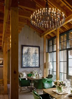 Peek inside cozy Vermont hideaway Twin Farms, where rustic charm meets historic New England elegance, and get tips for channeling its farmhouse aesthetic. Vermont Winter, Stowe Vermont, Burlington Vermont, Chateau Hotel, Historic New England, Interior Minimalista, States In America, United States, Beautiful Hotels