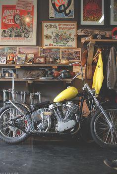 Old school pan head chopper. - repinned by http://www.motorcyclehouse.com/