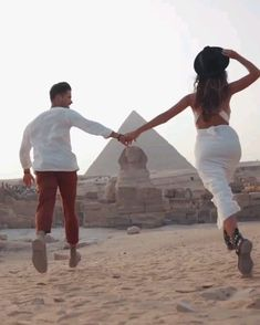 Cute Love Couple, Cute Couple Videos, Cute Love Songs, Couple Pictures, Cute Couples Kissing, Cute Couples Goals, Romantic Couples, Aesthetic Movies, Film Aesthetic