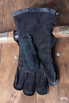 Padded Medieval Gloves