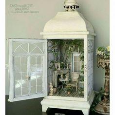 MiNiaTuRe BaCK YaRD Vitrine Miniature, Miniature Rooms, Miniature Crafts, Miniature Houses, Dollhous . Vitrine Miniature, Miniature Rooms, Miniature Crafts, Miniature Fairy Gardens, Miniature Houses, Miniature Kitchen, Fairy Lanterns, Christmas Lanterns, Lanterns Decor