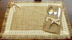 Burlap placemat, silverware pocket for rustic table decorations and burlap Simple, rustic and elegant! This table setting contains burlap placemat with silverware pocket. This adorable set made of natural burlap, and I Burlap Utensil / Silverware Holder w Burlap Projects, Burlap Crafts, Diy And Crafts, Sewing Projects, Burlap Lace, Hessian, Lace Table Runners, Wedding Table Decorations, Rustic Table
