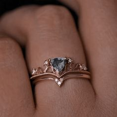 Queen Aesthetic, Princess Aesthetic, Aesthetic Vintage, Cute Jewelry, Jewelry Accessories, Jewlery, Accesorios Casual, Pretty Rings, Fantasy Jewelry
