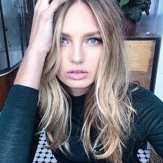 Cabelos finos ganham corpo com fios quase retos, suaves camadas nas pontas. Ondas tambem encorpam os fios  #loira #blonde #haircut #layers #luzes #model