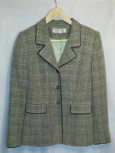 Women's Tahari Arthur S. Levine Multi-Colored Long Sleeve Lined Blazer~Size 4 #Tahari #Blazer