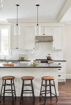 Off White Shaker Cabinets with Pure White Subway Tiles - Transitional - Kitchen Kitchen Black Counter, White Shaker Kitchen, Shaker Kitchen Cabinets, White Shaker Cabinets, Inset Cabinets, Kitchen Interior, New Kitchen, Kitchen Reno, Kitchen Ideas
