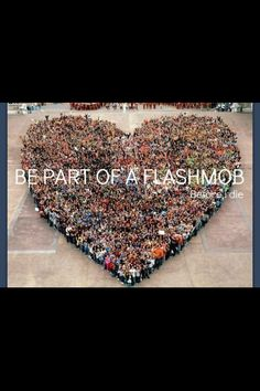 Before I die I want to be part of a flash mob Heart In Nature, Heart Art, I Love Heart, With All My Heart, All You Need Is Love, Just In Case, Citation Zen, Human Heart, We Are The World