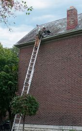 How to repair gutter yourself? Here, you can find 4 major gutter repair procedures.