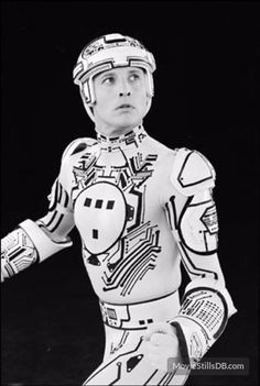 A gallery of TRON publicity stills and other photos. Featuring Bruce Boxleitner, Jeff Bridges, Cindy Morgan, David Warner and others. Bruce Boxleitner, Sci Fi Movies, Disney Movies, Disney Pixar, Movie Gifs, Movie Tv, Kung Fury, Tron Legacy, Ready Player One