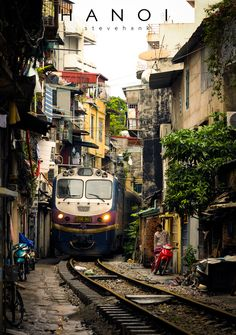 Hanoi Food Guide: 25 Must-Eat Restaurants & Street Food Stalls in Hanoi, Vietnam City Landscape, Urban Landscape, Landscape Paintings, Landscape Edging, Vietnam Voyage, Vietnam Travel, Hanoi Vietnam, Street Photography, Landscape Photography