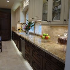 Kitchen by Maggie Grants - traditional - kitchen - houston - Cabinets & Designs