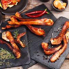 Love bacon? Well we have just the thing for you. We will send you 2 pounds of one of our specialty bacon every month for 3 months. That's a total of 6 pounds of bacon-y goodness. You'll have enough to wrap your grilled asparagus salad with, kick up your BLT sandwich, or steal the show at breakfast.
