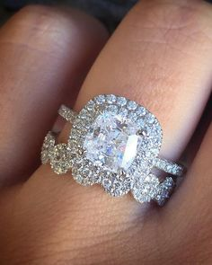 Obsessed with this set! #diamondring #diamonds #engagementrings #trophywife