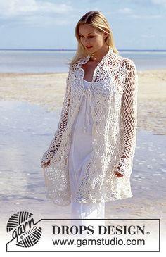 """Lang DROPS Vest of trui van gehaakte vierkanten van """"Muskat"""". One-size Gratis patronen van DROPS Design."""