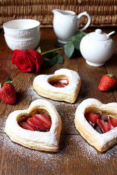 Angellove's Cooking: Отворени кроасани с шоколад и ягоди / Strawberry Chocolate Croissants