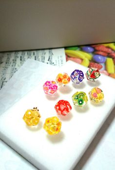 フラワーピアス Diy Resin Earrings, Resin Jewelry, Dremel Projects, Diy Projects To Try, Uv Resin, Resin Art, Diy Resin Crafts, Diy And Crafts, Diy Crystals
