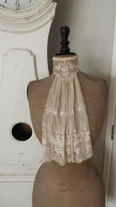 jabot /  Ascot  / There will be plenty of fashion statements at a  Kitchy Craft show ; what Fun