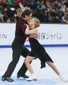 Kaitlyn Weaver and Andrew Poje Photos: Rostelecom Cup ISU Grand Prix: Day 2