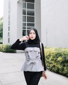 Ideas Party Fashion Photoshoot Models For 2019 Casual Hijab Outfit, Hijab Chic, Modest Fashion, Love Fashion, Chic Outfits, Fashion Outfits, Hijab Fashionista, Korean Street Fashion, Mode Hijab