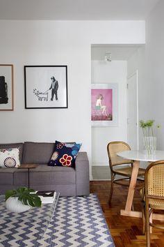 Mesa de Jantar da Enrico Sallis – Muma e cadeiras Ton do LZ Studio (Foto: Juliano Colodeti - MCA Estudio/Divulgação)
