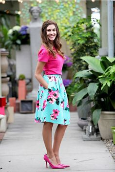 Omg, I love pink and this outfit! I need to try a Madison skirt lol Boho Fashion, Fashion Outfits, Womens Fashion, Modest Outfits, Cute Outfits, Casual Chic, Lula Roe Outfits, Dress Me Up, Spring Summer Fashion