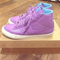 Nike Women's Blazer Mid Good condition--nothing a little shoe cleaner can't fix to make it look brand new! Nike Shoes Sneakers