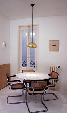 Mirando al Norte | RÄL167 - Interiorismo, decoración, reforma y diseño de interiores Conference Room, Table, Interiors, Furniture, Home Decor, Interior Design, Flats, House Decorations, Home