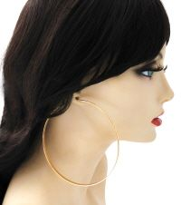 Pinktown is one of the largest Midwest wholesale jewelry and wholesale accessories distributor servicing trendy retailers,stylist, designers with trendy styles. Gold Hoops, Gold Hoop Earrings, Wholesale Jewelry, Trendy Fashion, Stylists, Style, Swag, Trendy Outfits, Moda